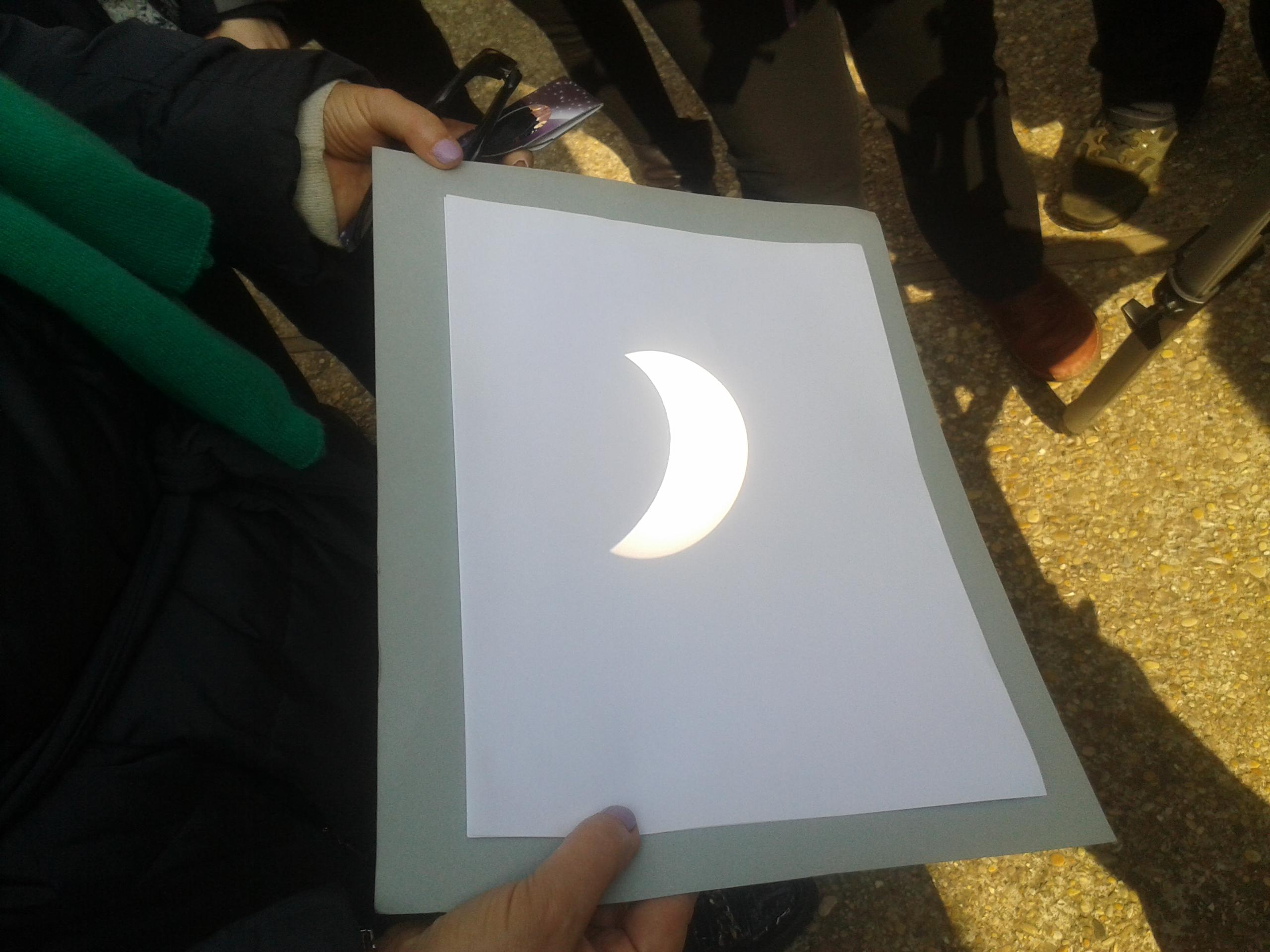 """il sole """"mangiato dalla luna"""""""
